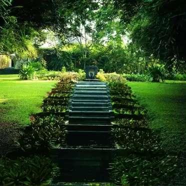 Garden-Tour-Geoffrey-Bawa